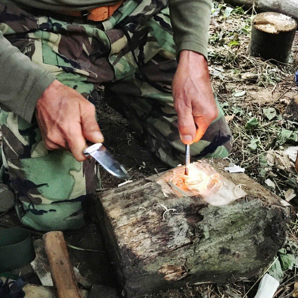 Bushcraft: tűzgyújtás szikravetővel